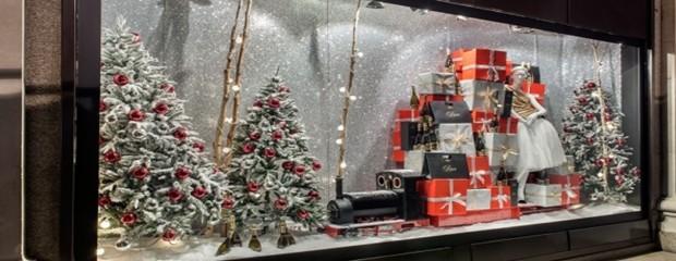 La magia de los escaparates navide os blog de dsigno for Estudiar decoracion de interiores