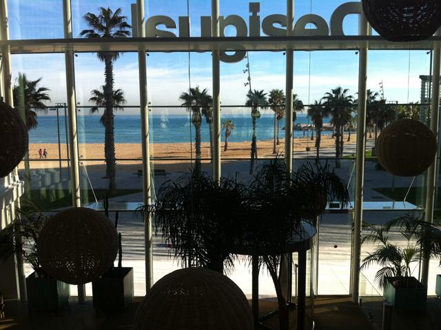 Dise o oficinas de desigual en barcelona blog de dsigno for Jazztel oficinas barcelona