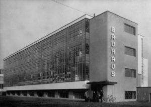 Walter-Gropius-building-Dessau-1926