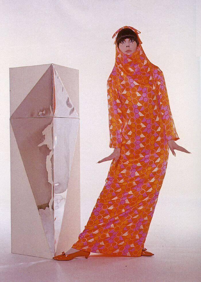 Peggy con diseño de Rudi Gernreich