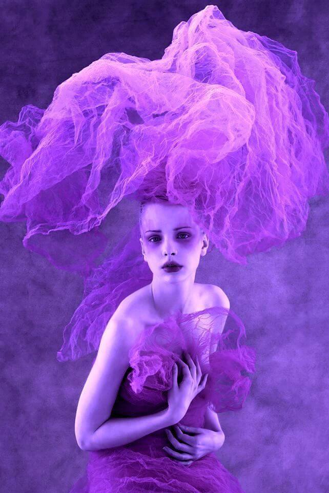 violeta en la moda