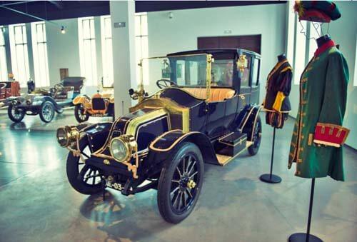 mam- museo-automovilistico- malaga- moda