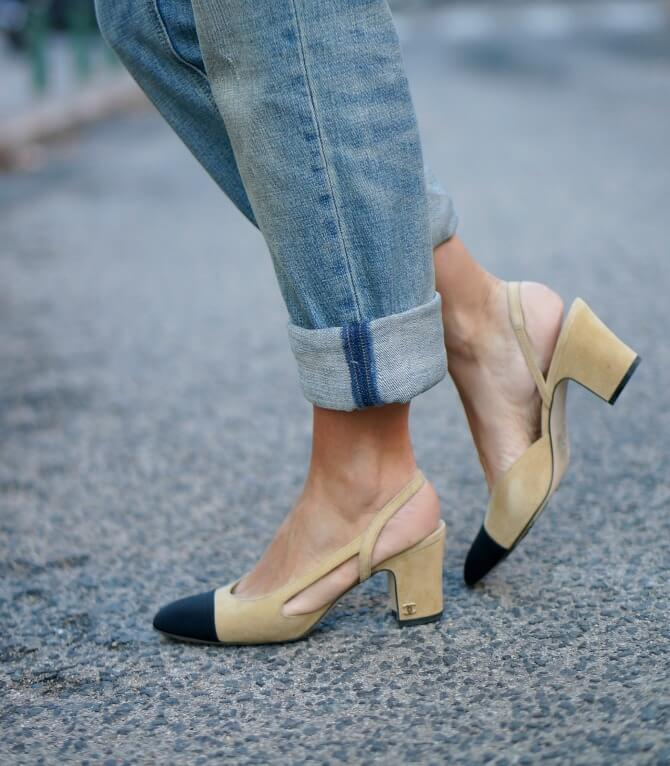 05-street style-chanel-shoes-slingback-granny shoes-boyfriend jeans-chanel-255-bag-con dos tacones-c2t