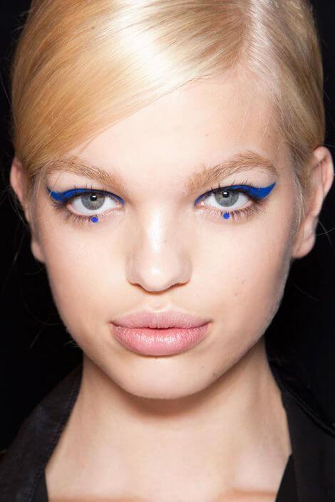 Dot-Eyeliner