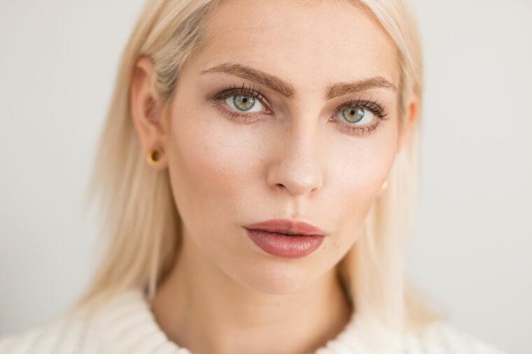 maquillaje-natural-de-dia-mujeres