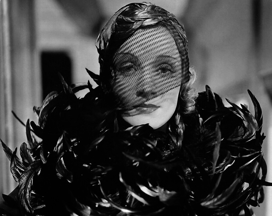 1932-marlene-dietrich-in-shanghai-express-costume-design-by-travis-banton