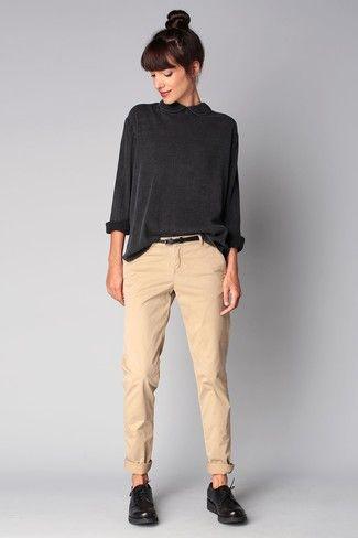 pantalones en colores crudos